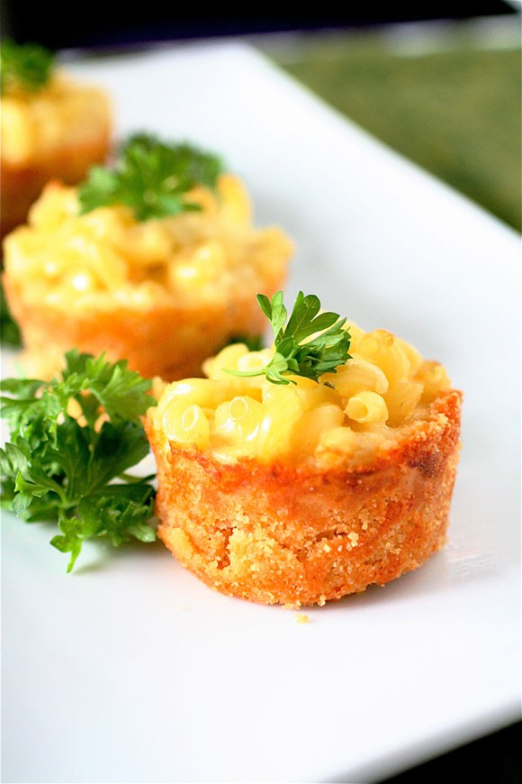 Mac and cheese mini wedding food
