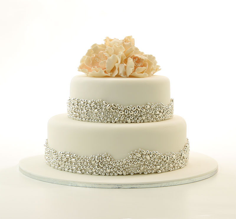 Wedding cake with silver beads for a metallic effect.